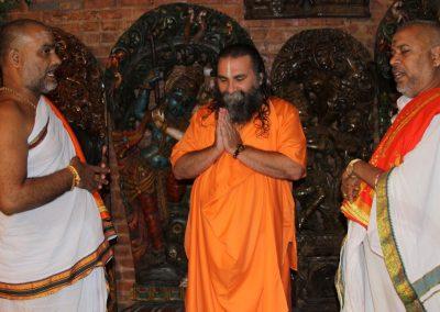 Prabhuji with Pundits