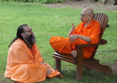 Prabhuji with Swami Viditatmananda-4